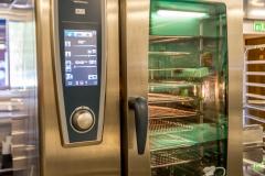 Storkjøkken. Her er det meste av proft utstyr en kokk ønsker seg. 2 stk. 10 rader Rational